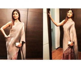 Shilpa Shetty`s metallic sari is ideal for a winter wedding