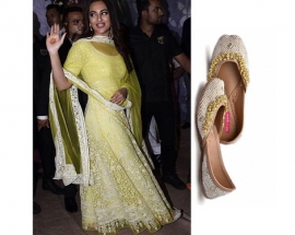 Sonakshi Sinha in pastels and pop jutti