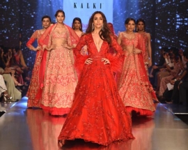 Malaika Arora Walked for KALKI Fashion`s Zinnia Collection and Looked like a Glamorous Goddess